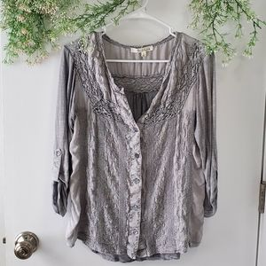 Solitaire Flowy Grey 3/4 Sleeve Buttoned Blouse
